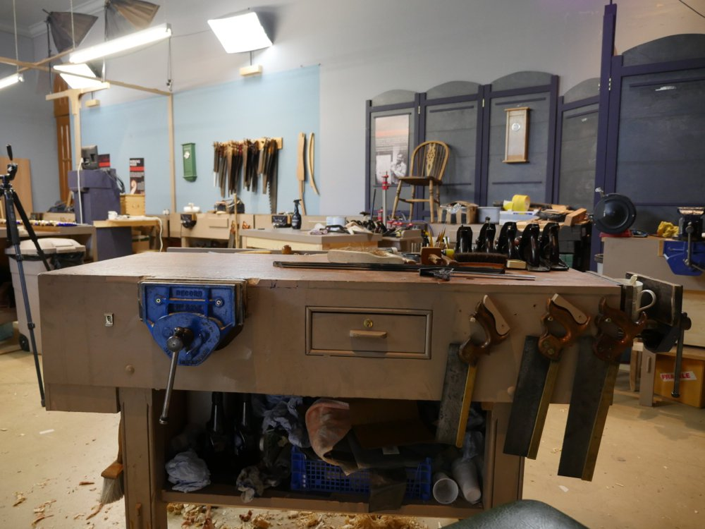 paul sellers workshop. over to my right when i am standing facing vise, hanging from hooks on the bench apron side, are three most used tenon saws; 10\u201d, 12\u201d and 14\u201d long. paul sellers workshop c