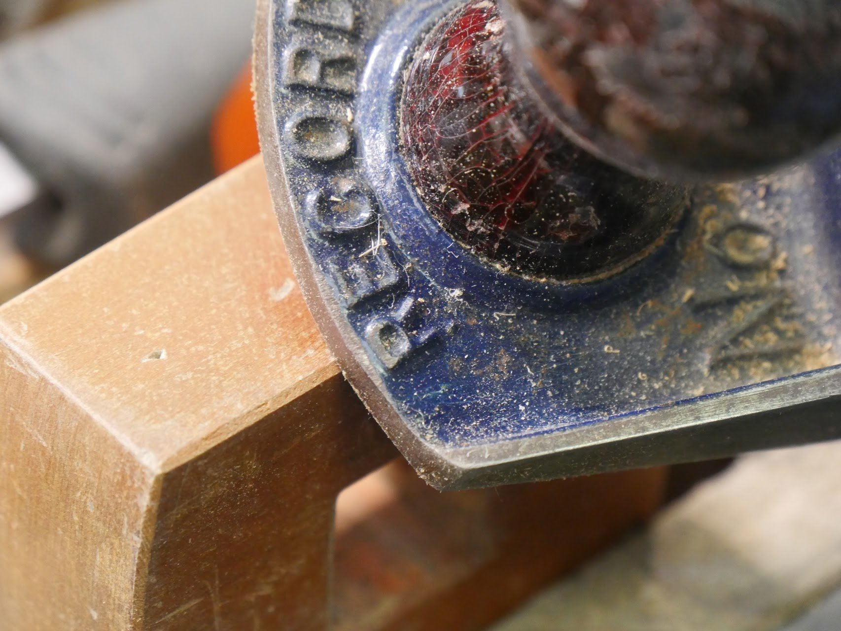 how to use a mortise gauge